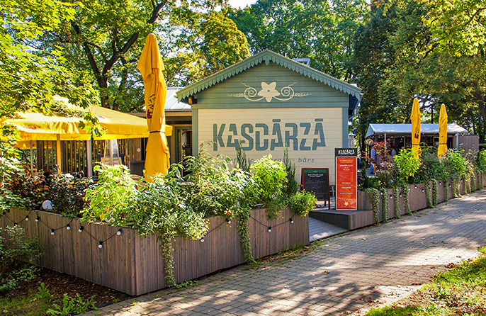 Café – terrace – bar Kasdārzā