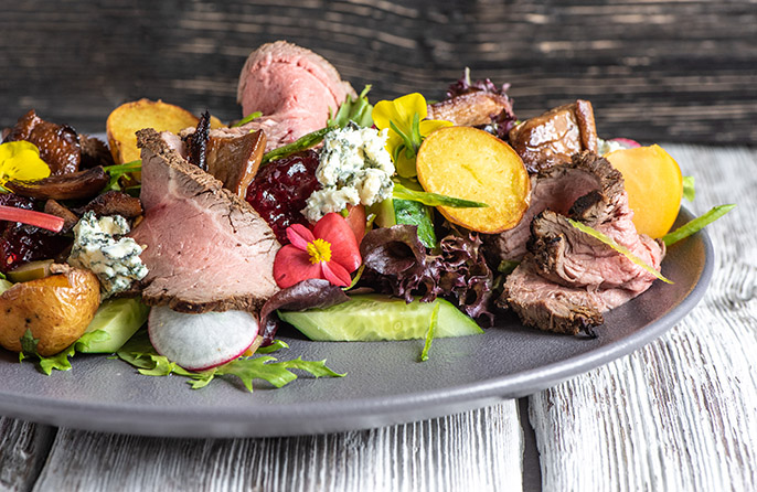 GRILLED LATVIAN BEEF TENDERLOIN SALAD