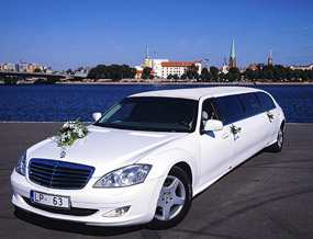 Rent a car with driver Mercedes S-class Limo Super Stretch WT